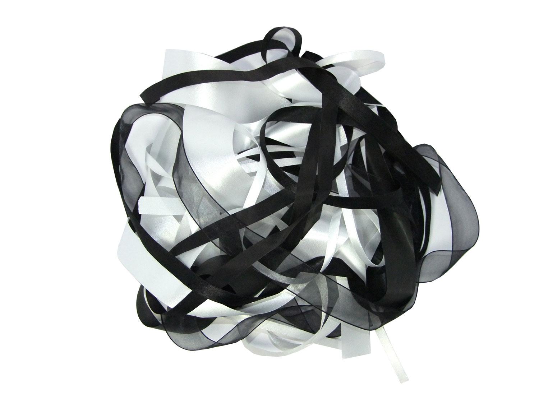 Ribbon Black & White Bargain Pack